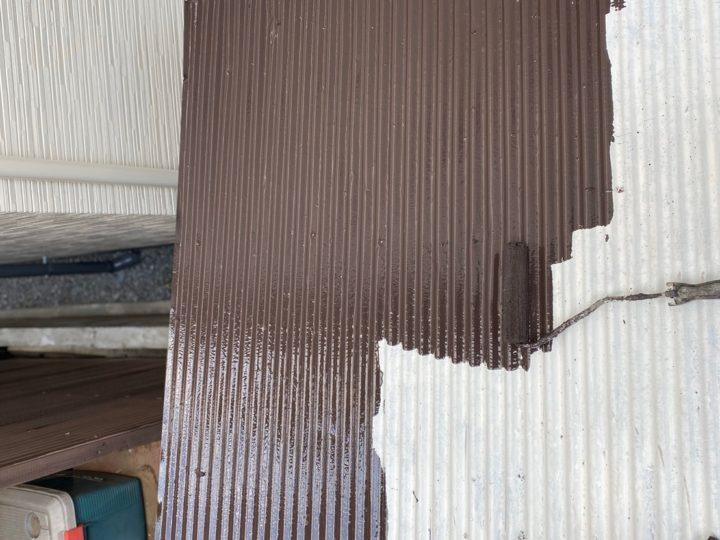 物置屋根 中塗り