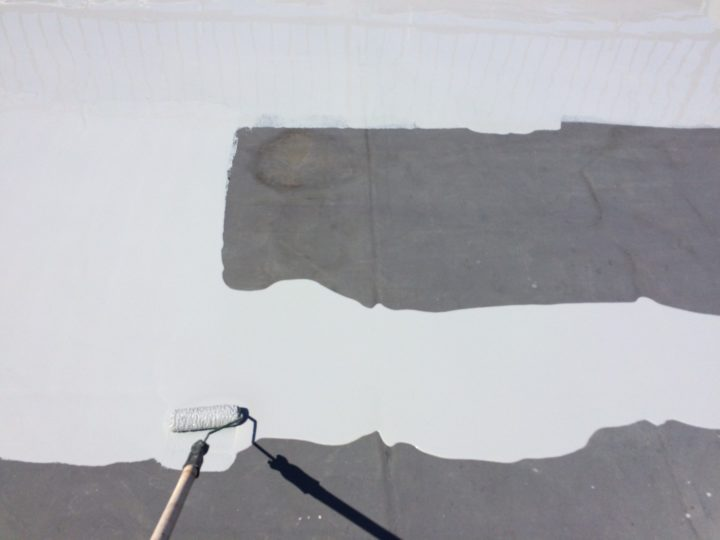 屋上陸屋根 防水ウレタン塗布(1回目)
