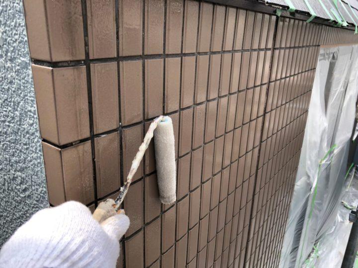 外壁(タイル) 吸水防止クリヤー塗布(1回目)