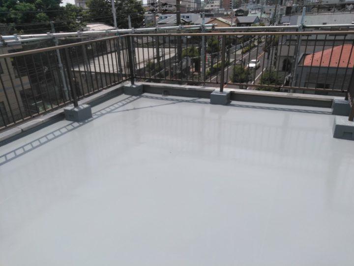屋上 ウレタン防水塗布完了(1回目)