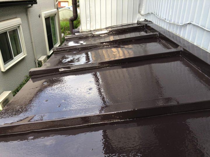 鋼製トタン屋根 上塗り完了