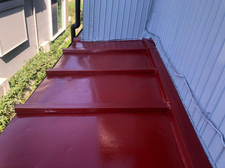 鋼製トタン屋根 下塗り完了