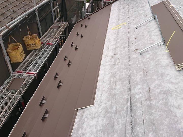 屋根 ガルバリウム鋼板 設置状況