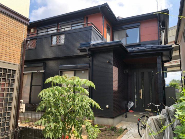 川口市I様邸 外壁はダブルトーン仕上げ、屋根はカバー工法