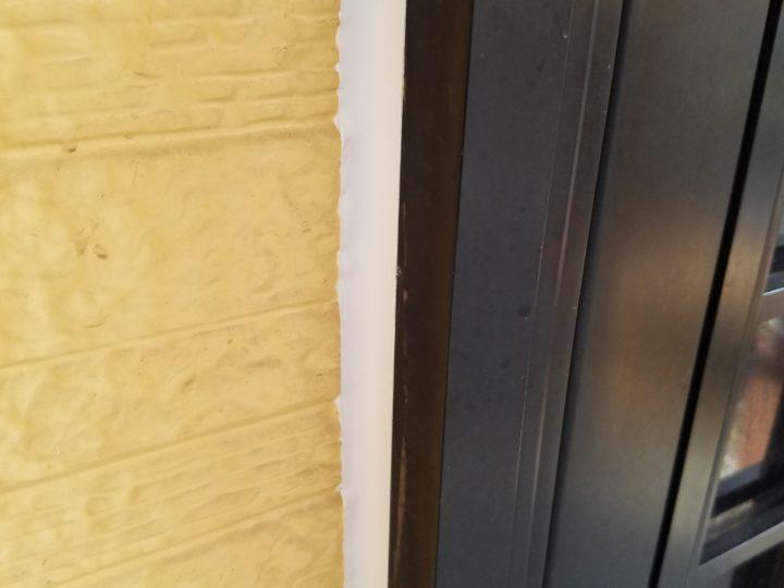 窓周りコーキング